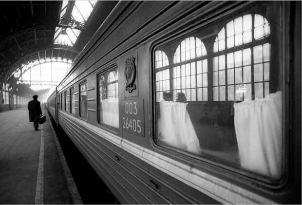 Поезд на Витебском вокзале в Санкт-Петербурге.