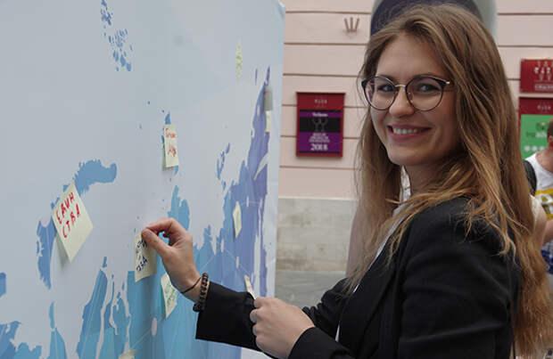 В акции «Письмо в будущее» приняли участие жители и гости столицы. Фото: moscow.er.ru