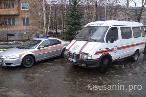 Спасатели в Ижевске помогли пожилой женщине выбраться из ямы