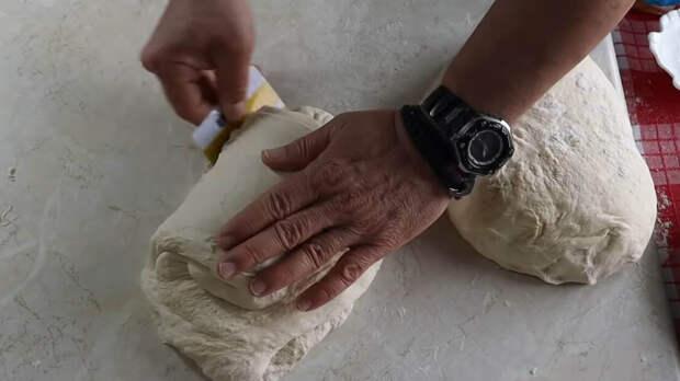 Дома будет пахнуть, как в пекарне. Домашний свежий хлеб — мягкий внутри, с хрустящей корочкой