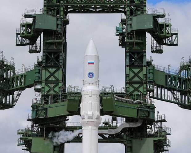 «Рокот» в небесах. Россия предпочла «Ангаре» опасную ракету?