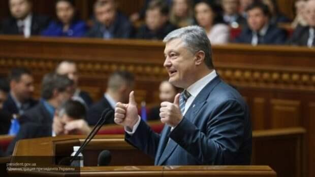 Карасев спрогнозировал возможное «возрождение» Порошенко ко власти на Украине
