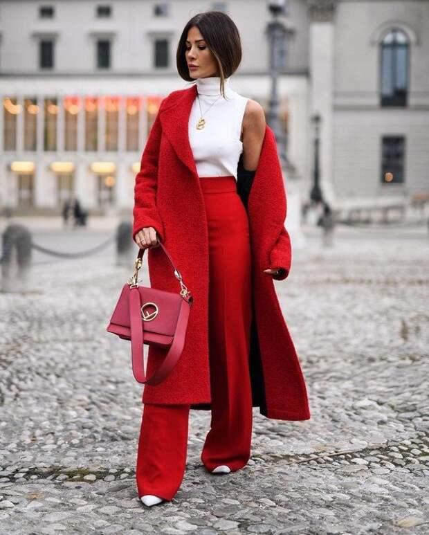 Комплекты одежды 2021-2022 для девушек и женщин – тренды