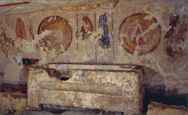 Изображение пилума на росписи могилы Джильоли из Тарквиний, IV век до н.э. - Жало римских легионов | Warspot.ru