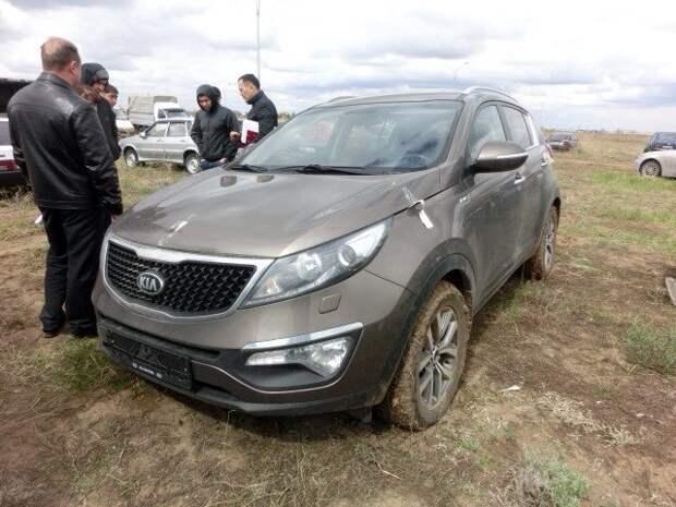 Kia, угнанную в Екатеринбурге, постепенно разбирают по запчастям на штрафстоянке в Казахстане