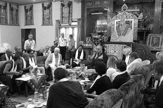 Рабочая встреча росийских ученых и мнахов-исследователей с Далай-ламой