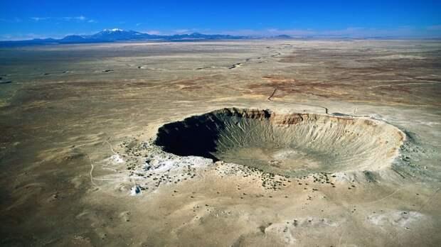 3 места, где можно увидеть настоящие метеоритные кратеры