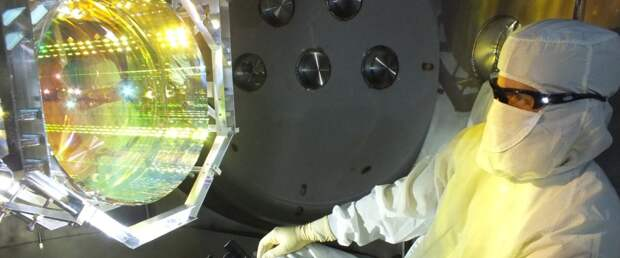Физики впервые обездвижили крупный объект до почти квантовой неподвижности