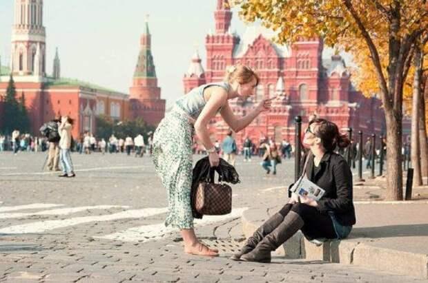 Москва встречает лето: торговля всем и прогулки по расписанию