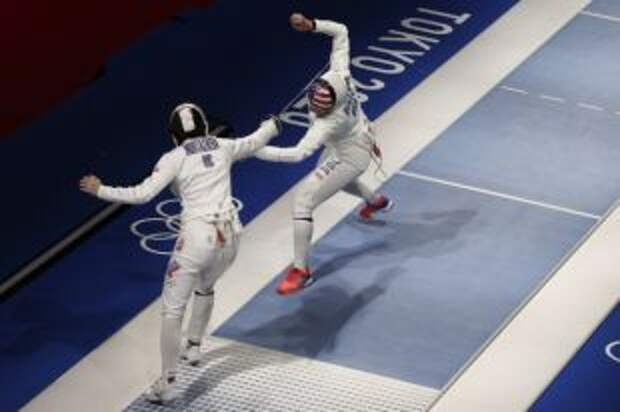 Шпажистка Муртазаева вышла в четвертьфинал олимпийского турнира в Токио