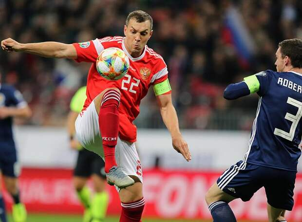 Черчесов прокомментировал возможный уход Дзюбы из сборной: «Футбольные часы для каждого тикают по-своему»