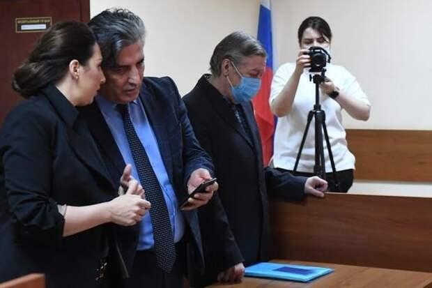 «Адвокат меня подставил». Ефремов из СИЗО прокомментировал приговор