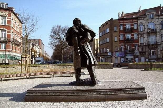 8. Монумент в бельгийском Брюсселе памятники, ссср