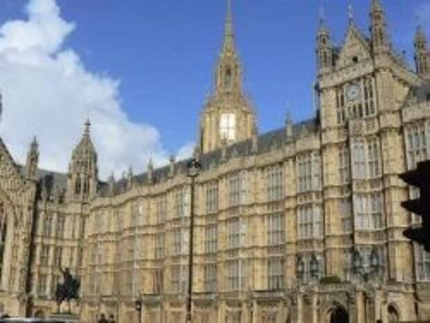Британские депутаты осудили повышение им зарплаты