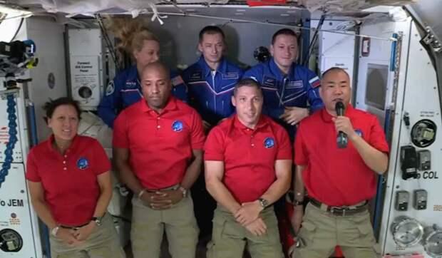 Очередной успех Илона Маска - Рогозин кусает локти: корабль SpaceX состыковался с МКС