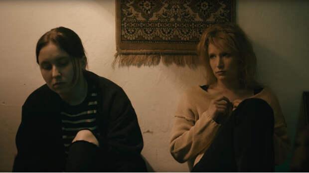 Монеточка выпустила клип про лихие 90-е в стиле фильма «Брат»!