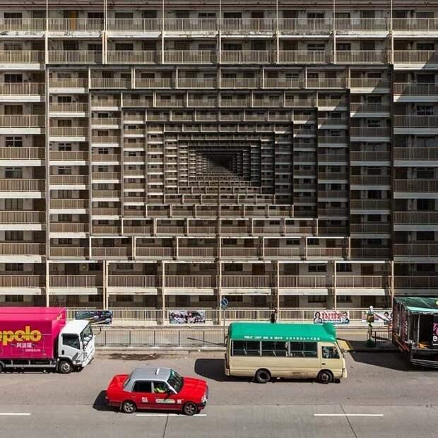 1. Как на самом деле выглядит среднее время ожидания общественного жилья в Гонконге Томми Фанг, гонконг, забавно, талант, фантазия, фото, фотошоп, художник