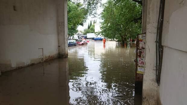 Севастополь в очередной раз поплыл под напором сильного ливня