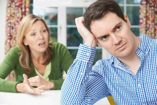 Муж содержит, но денег в руки не дает: «Зачем тебе, скажи, что надо, я все куплю сам!»