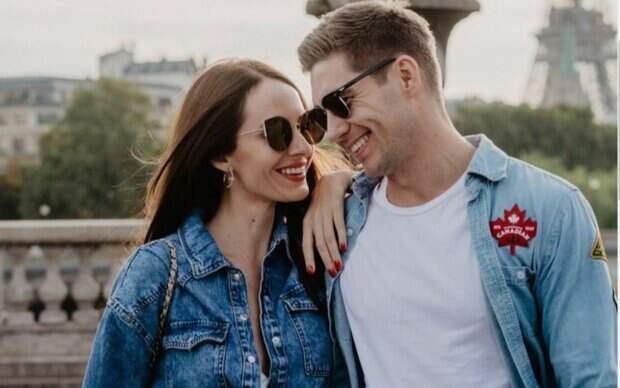 """Жена ведущего """"Маски"""" Остапчука очаровала пикантными фото в белом корсете: """"Захотелось"""""""