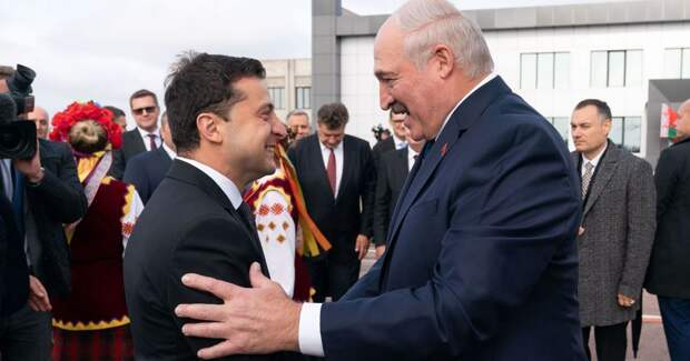 Марионетки вступают в игру: Украина не рвёт с Лукашенко и стращает кознями Москвы