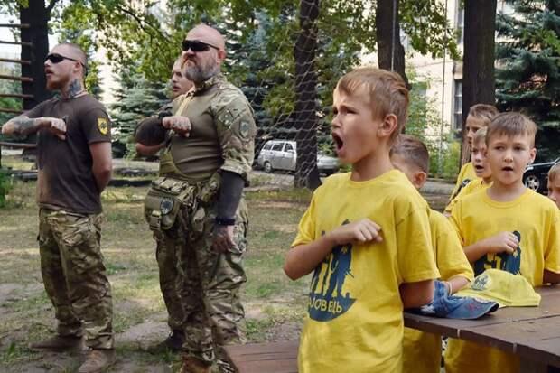 """Части нацистов типа """"Азов"""" – преимущество Украины в военной отрасли"""
