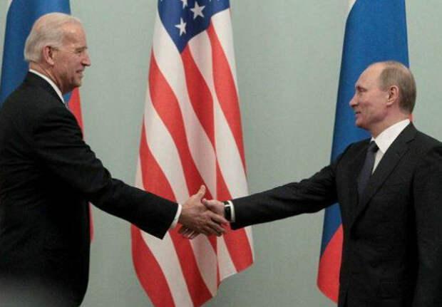 Воспоминания стенографиста кабинета Обамы: Путин унизил Байдена на встрече в Москве