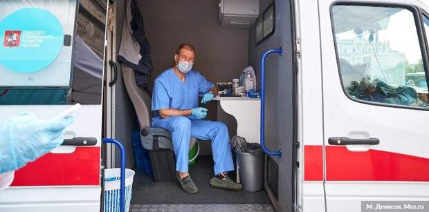 Сделать прививку от гриппа в Москве стало удобнее. Фото: М. Денисов mos.ru