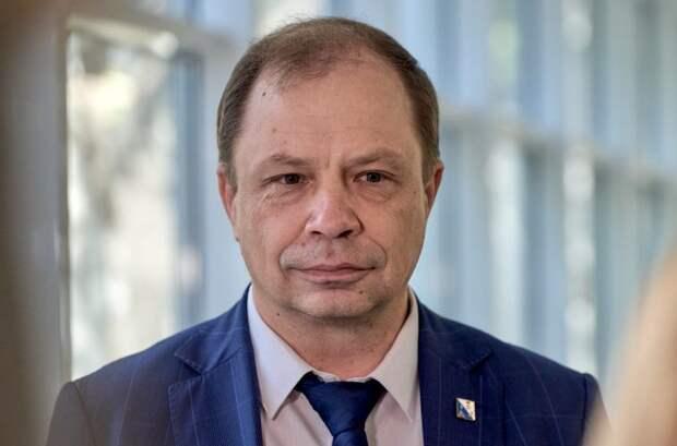 Александр Кулагин обратился к работникам частных клиник и пенсионерам-медикам