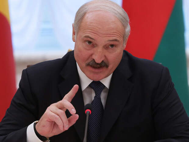 Александр Лукашенко в пух и прах критикует «российский капитализм»