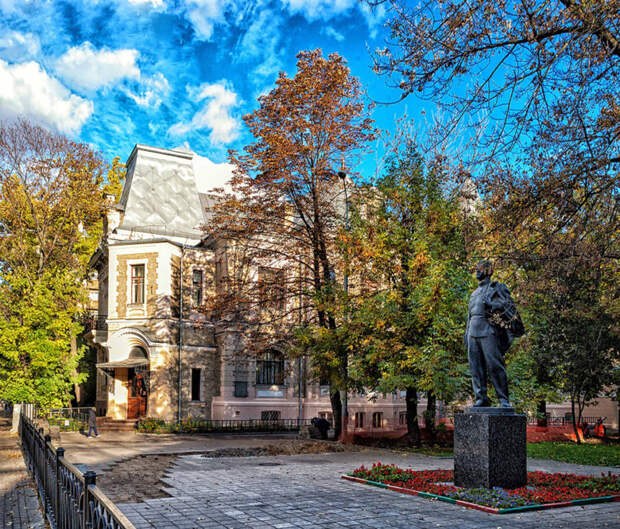 Дом Высоцких