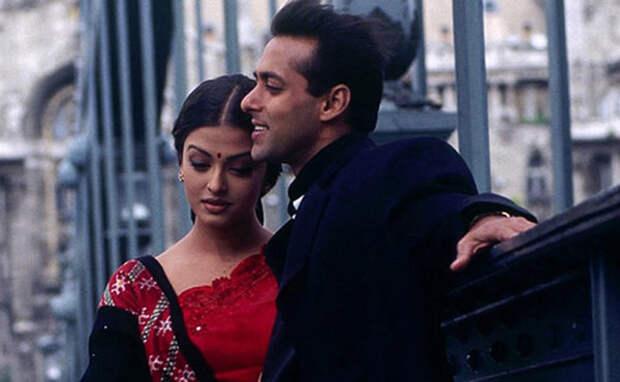 Красавей Салман Кхан часто поднимал руку на свою невесту