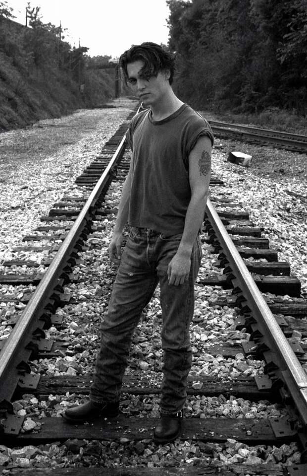 Джонни Депп в фотосесии 1991 года.
