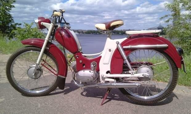 Мопеды Рига отличались красивым дизайном.