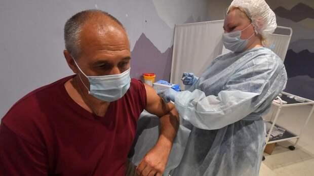 Эргашев заявил, что высокие темпы иммунизации снизили нагрузку на городские стационары