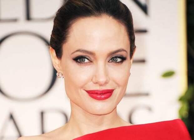 СМИ: Анджелина Джоли больше не будет усыновлять детей