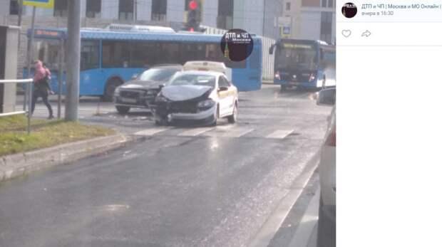 На Кронштадтском такси «пободалось» с соседом