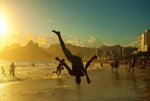 Капоэйра на закате, Рио-де-Жанейро.
