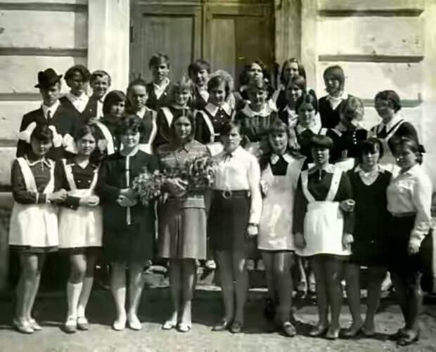 Выпускницы 70-х годов (10 фото)