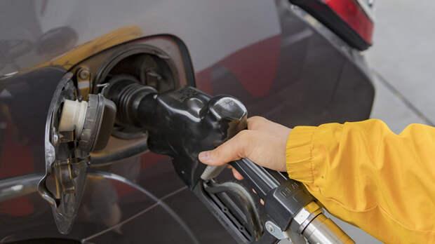 Вирусный шок спровоцирует рост цен на бензин? Панику о канистрах назвали неоправданной