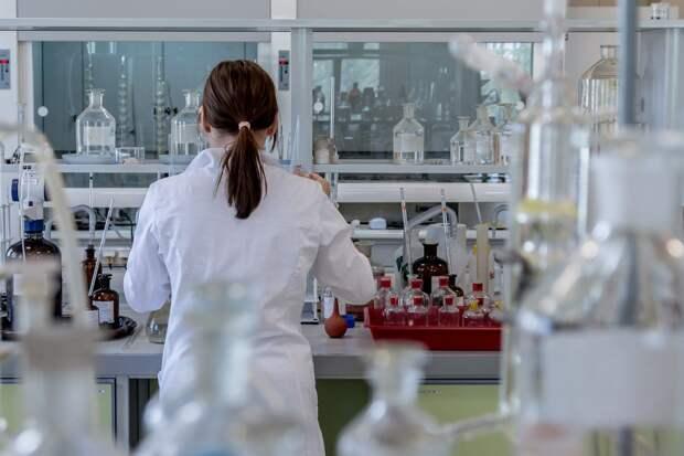 Ученые заявили о риске бесплодия у перенесших коронавирус мужчин