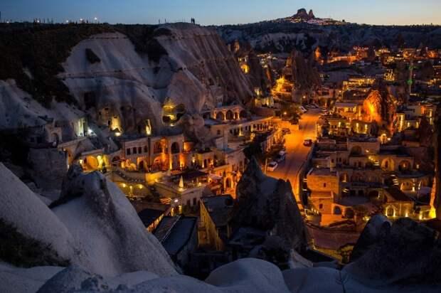 Самые удивительные поселения в мире, в которых как-то умудряются жить люди