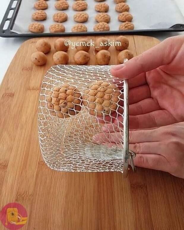 Крутые приспособления: делаем красивую выпечку, используя подручные средства