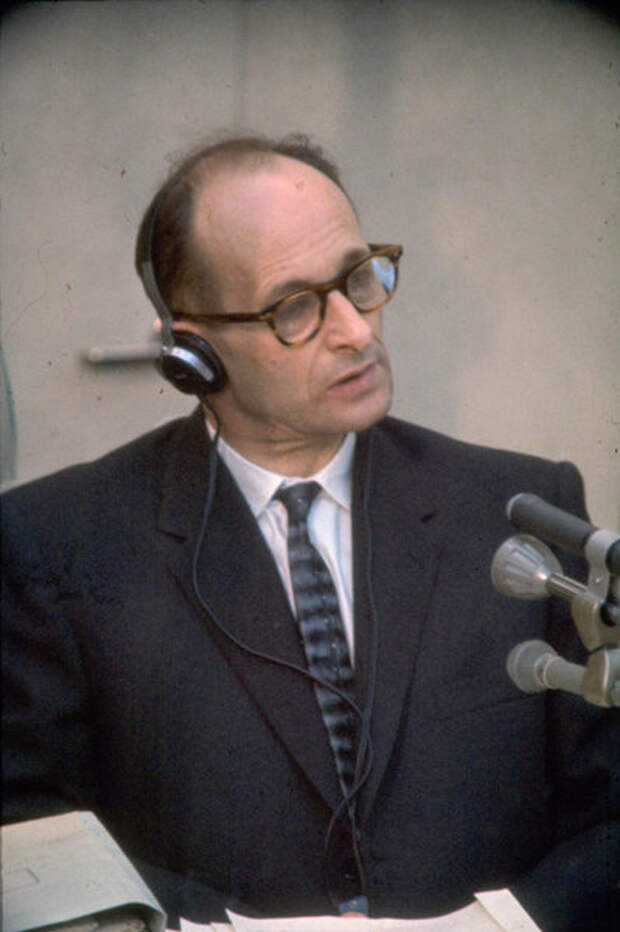 Эйхман на судебном процессе