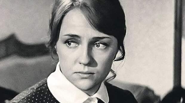 «Мне ещё долго пришлось убирать из себя то, что внесла актёрская профессия»: последнее интервью Екатерины Градовой