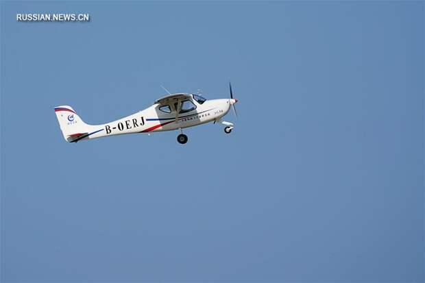 """Легкомоторный спортивный самолет """"Линъянь"""" AG50 китайской разработки совершил свой первый полет"""