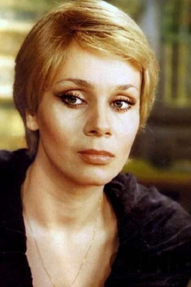 Неординарная внешность Любовь Григорьевны восхищала женщин и мужчин разного поколения. | Фото: reactor.cc/.