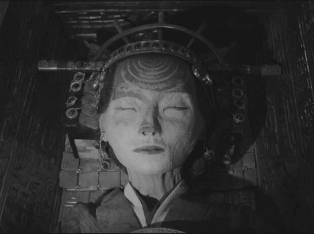 Тисульская принцесса: что случилось с теми, кто нашел таинственный саркофаг в Кемеровской шахте в 1969 году.