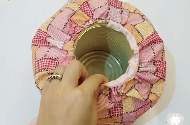 Остатки ткани, пустая баночка и немного креатива: очаровательный интерьерный декор из ничего