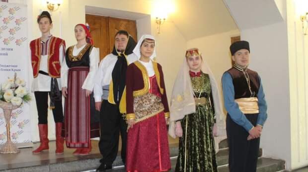В Крыму отметили День возрождения реабилитированных народов Крыма